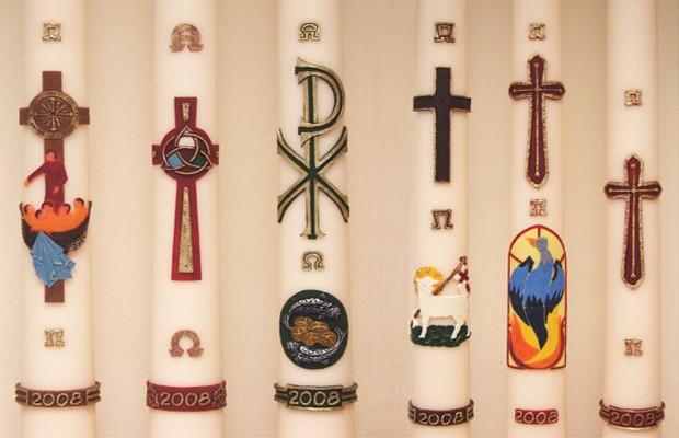 A Vela Pascal costuma ser utilizada nas Igrejas Ocidentais.