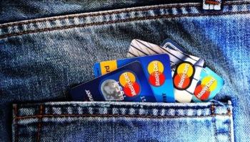 Como lidar com as dívidas de maneira bíblica?