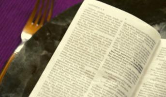 O que a Bíblia diz sobre jejum?