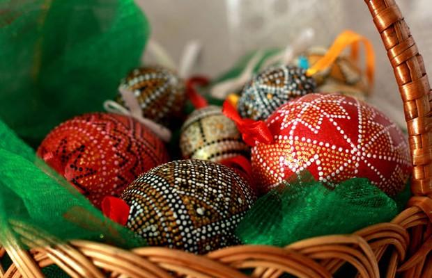 Antigamente os Ovos de Páscoa eram cozidos e pintados a mão.